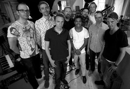 fira 10 år tillsammans Pressbladet   Totalmusic: Timbuktu & Damn! firar 10 år tillsammans. fira 10 år tillsammans